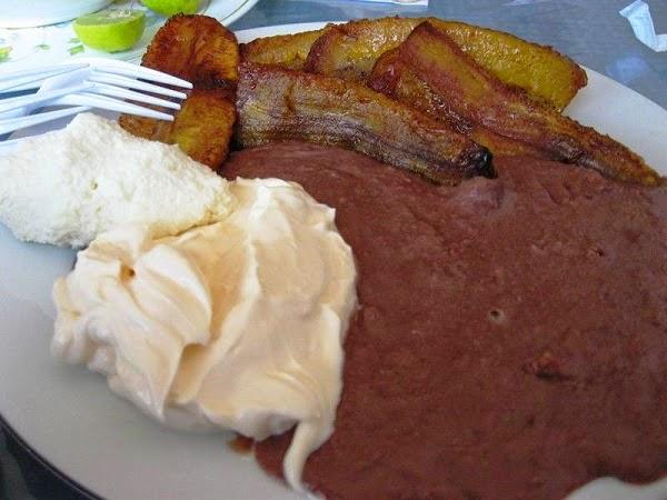 Desyuno típico de El Salvador