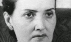 Claudia Lars (biografía)