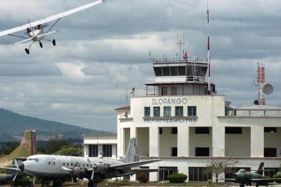Aeropuerto de Ilopango