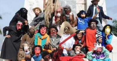 Los viejos de agosto, una tradición de El Salvador