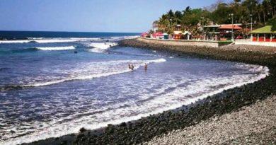 Playa La Paz, El Salvador