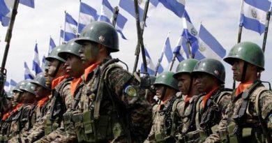 ¿Cuánto gana un soldado en El Salvador?