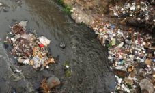 Causas de la contaminación de los ríos en El Salvador