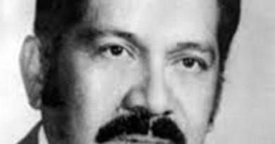 Arturo Armando Molina (biografía)